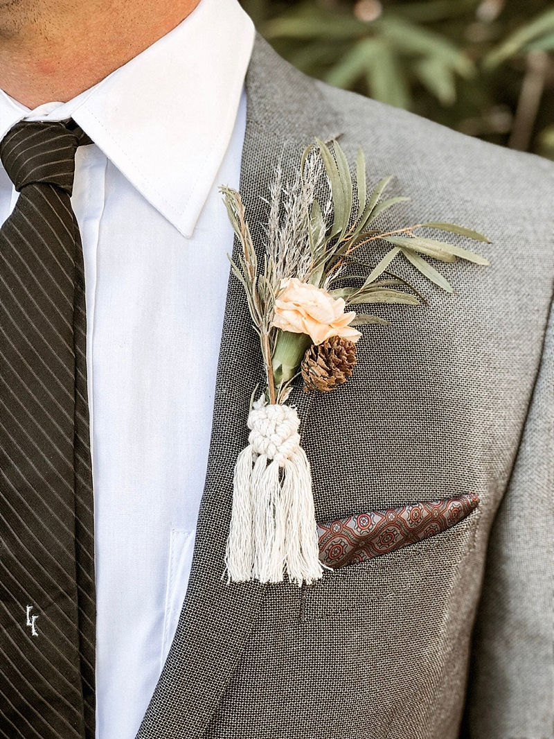 Unique boho wedding macrame boutonniere wrap detail from Etsy