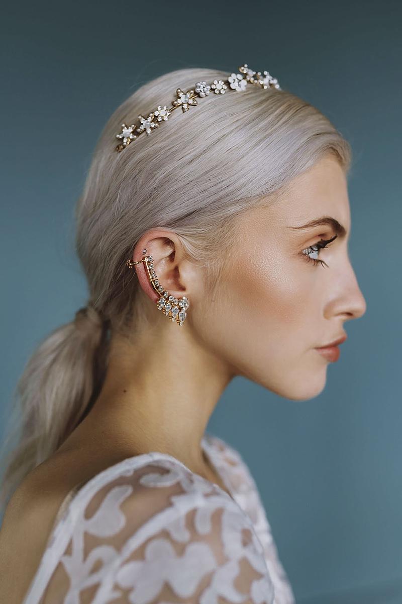 Modern edgy gold bar wedding ear cuff for alt bride