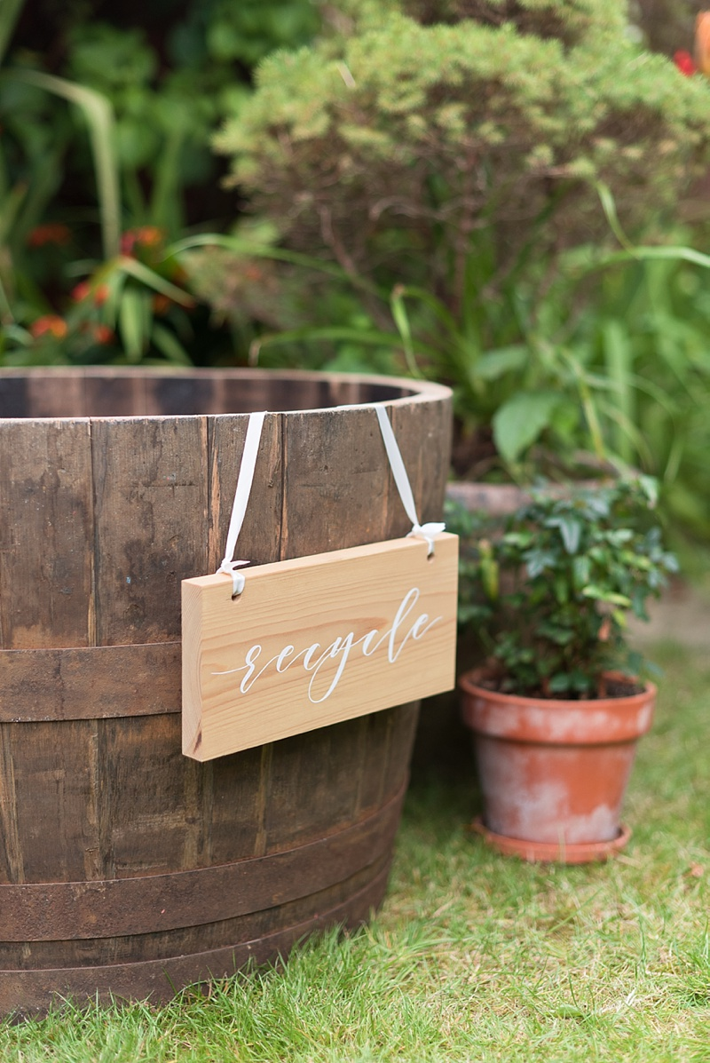 Pretty way to have a recycle bin at your wedding