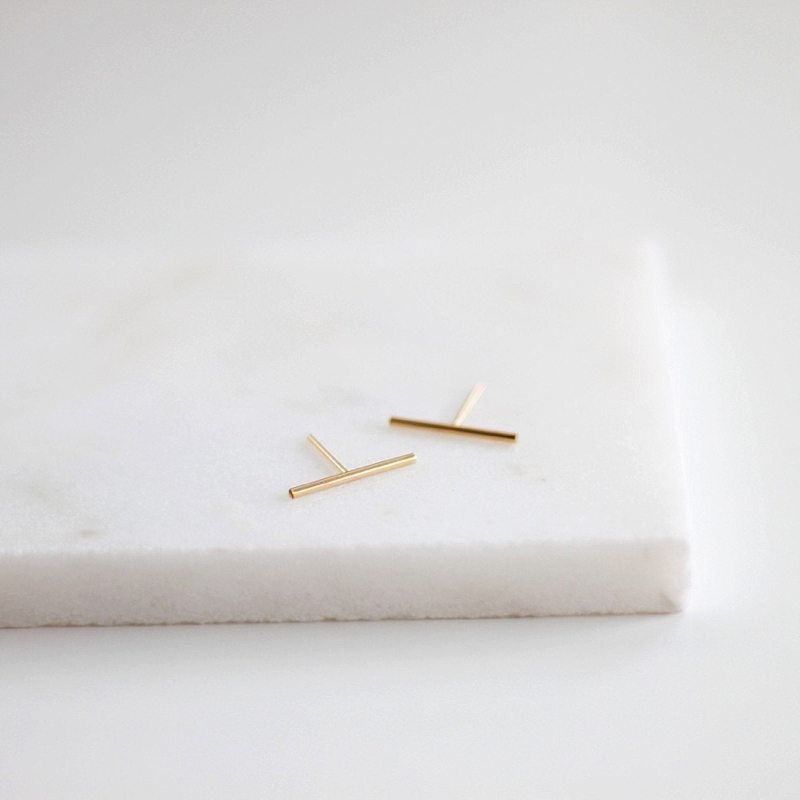 Chic small gold bar earrings for minimalist bride or bridesmaid