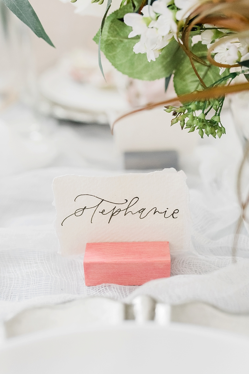 How to make easy colorful wood place card holders for a wedding or bridal shower
