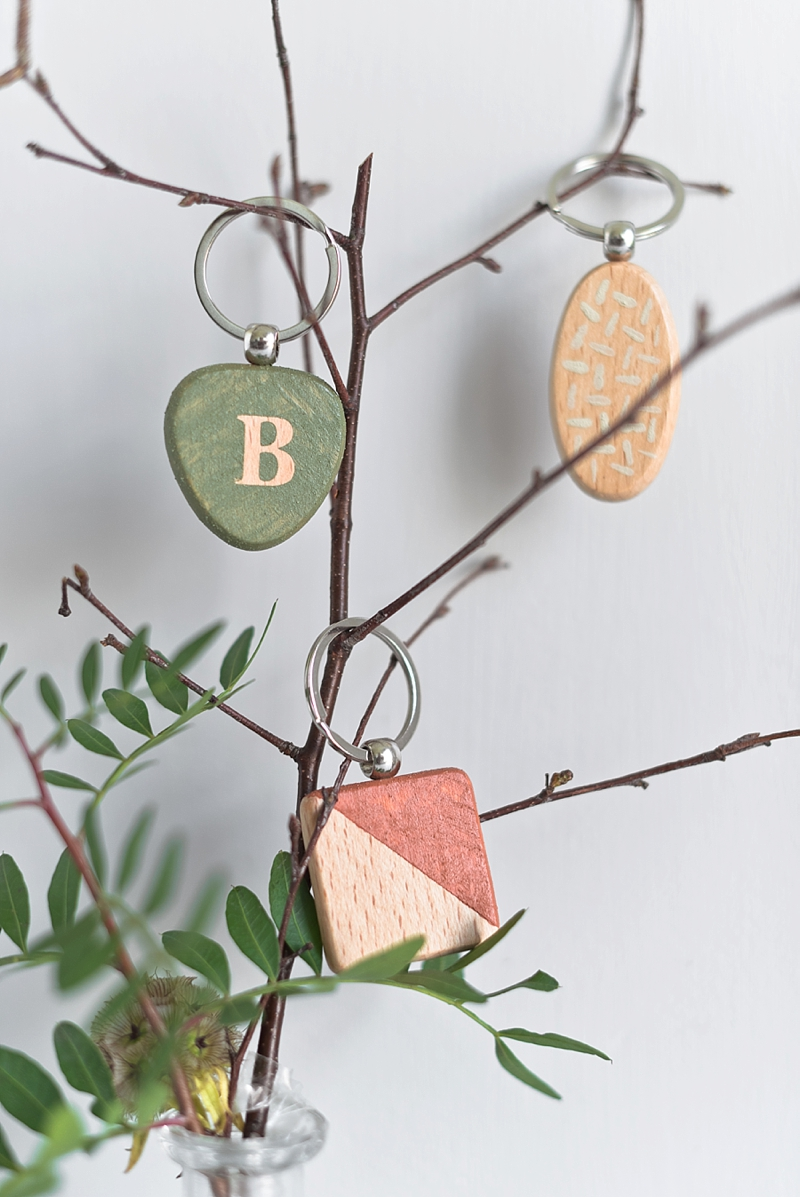 DIY rustic botanical inspired wooden wedding keychain favors with DecoArt