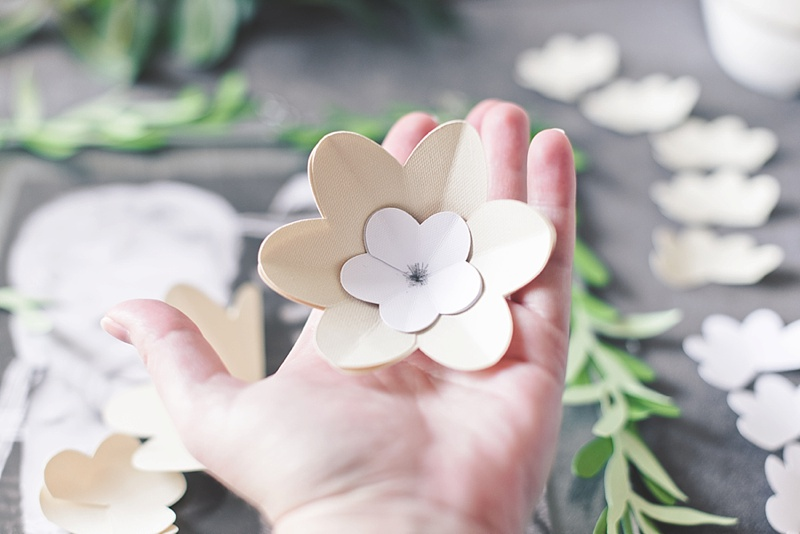 How to make paper flowers with Cricut Design Space