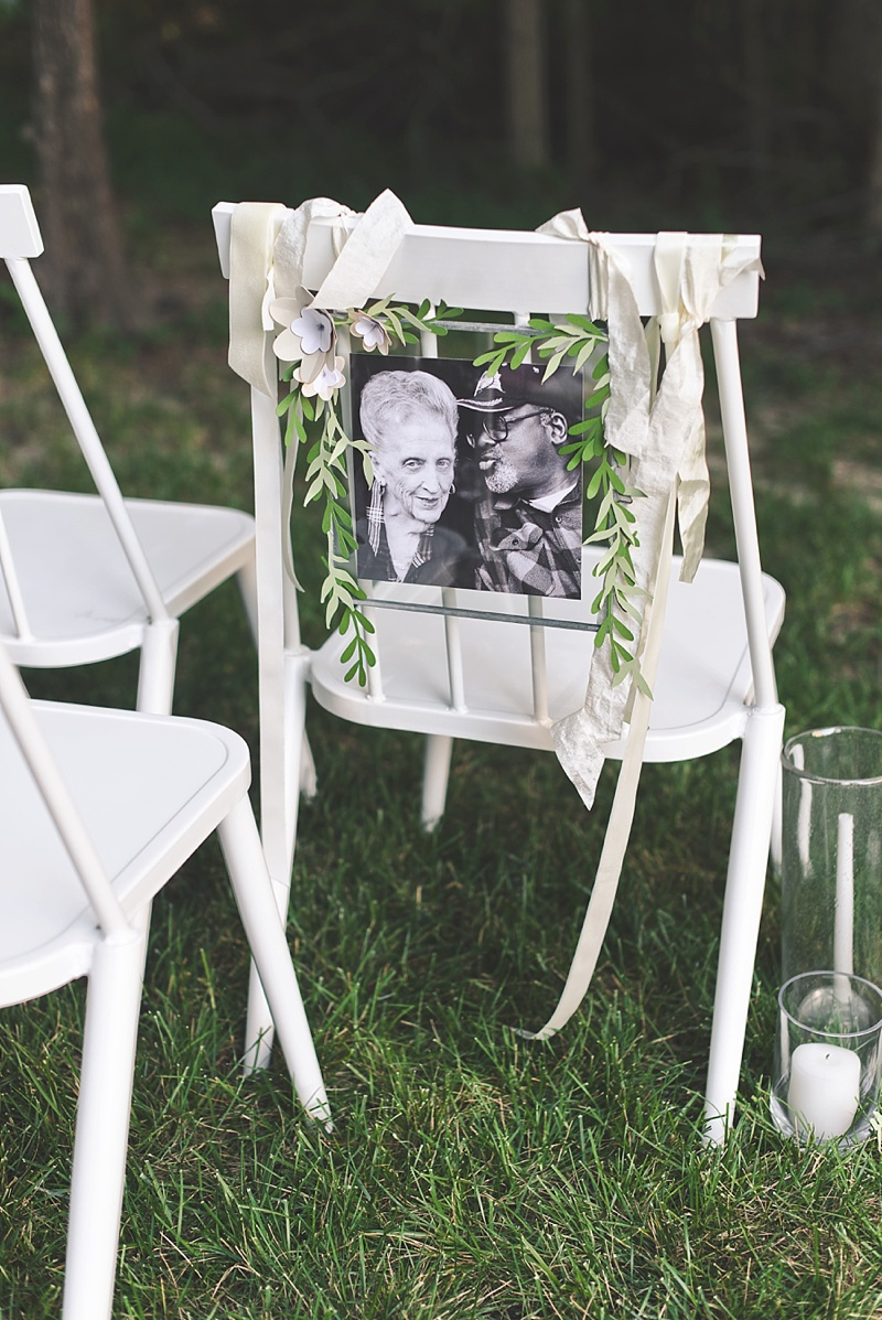 How to make a special wedding memorial chair for your loved ones with Cricut