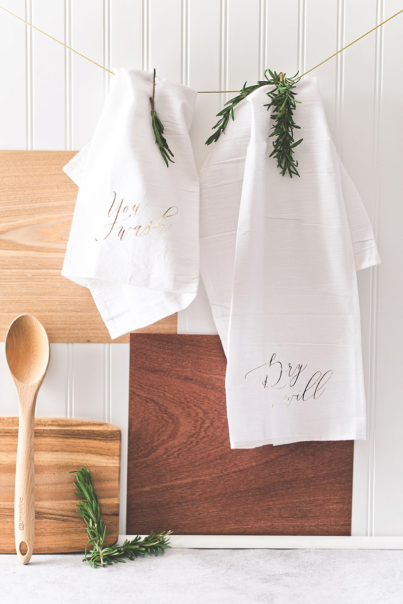 How to make chic kitchen towels for a newlywed gift with Cricut
