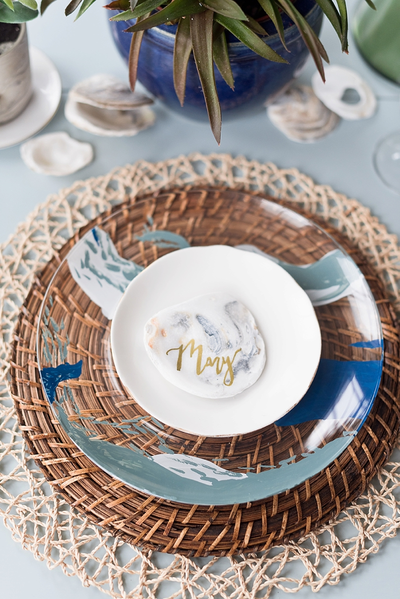 Diy Coastal Wedding Charger Plates With Decoart Tidewater And Tulle Coastal Virginia Wedding Blog And Magazine