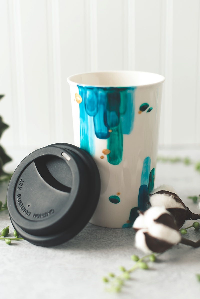 Gorgeous handmade DIY painted travel mugs from Kate Aspen for bridesmaid and groomsman gifts