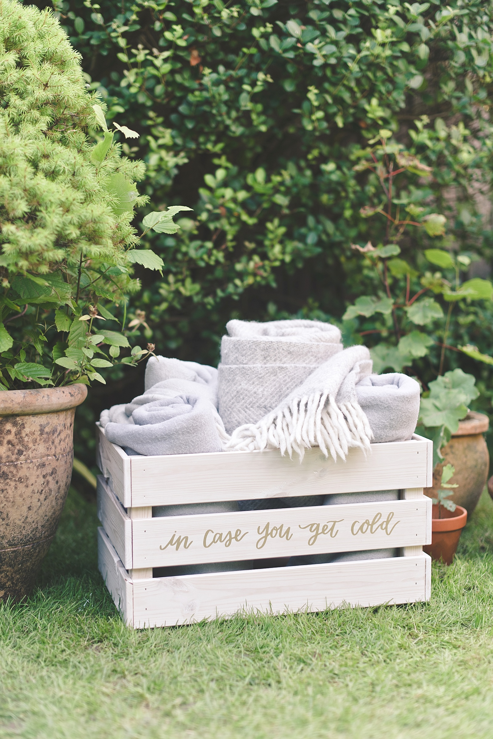 DIY wedding box crate for blankets
