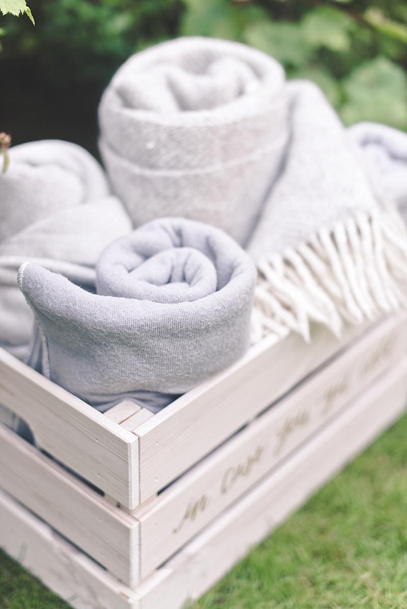 Easy DIY wood wedding blanket box