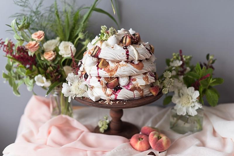 Lovely fruit pavlova meringue wedding cake alternative recipe perfect for summer wedding events