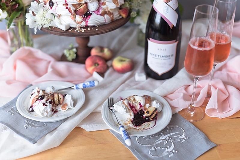 Alternative yet classic wedding cake ideas for a summer wedding