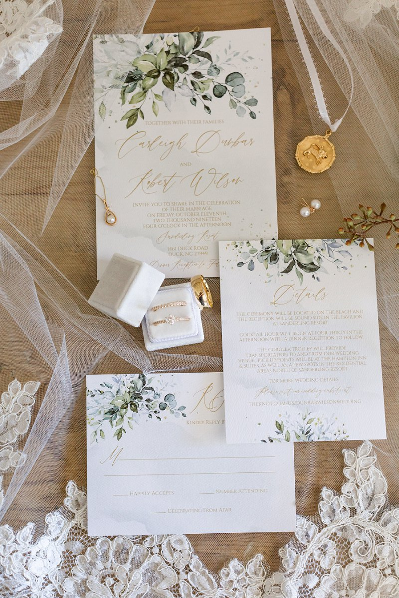 DIY wedding invitations from Etsy with watercolor illustrations and gold details for timeless beach wedding