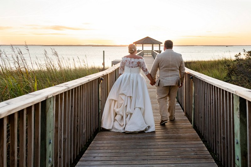 Beautiful Outer Banks beach wedding at Sanderling Resort in North Carolina for fall celebration