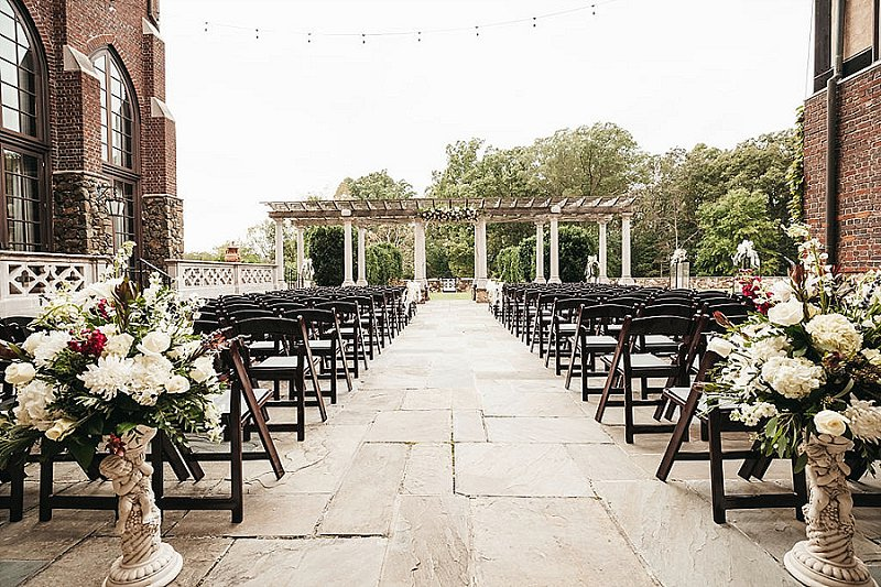 Classic outdoor wedding ceremony at Dover Hall in Virginia